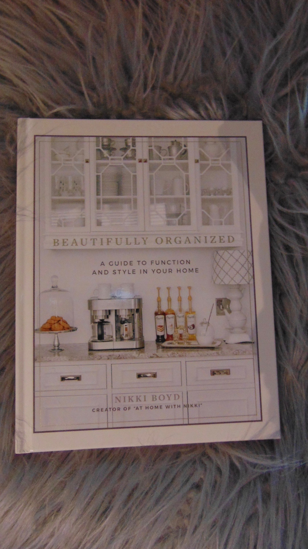 Best Cheap Coffee Table Books: Coffee Table Book Styling ...